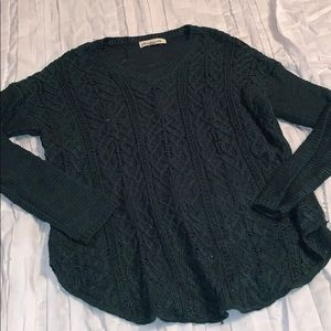 Green cable knit light weight sweater